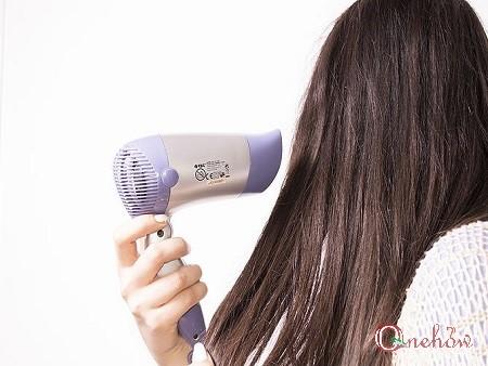 چگونه تار موی سر خود را ضخیم تر کنیم