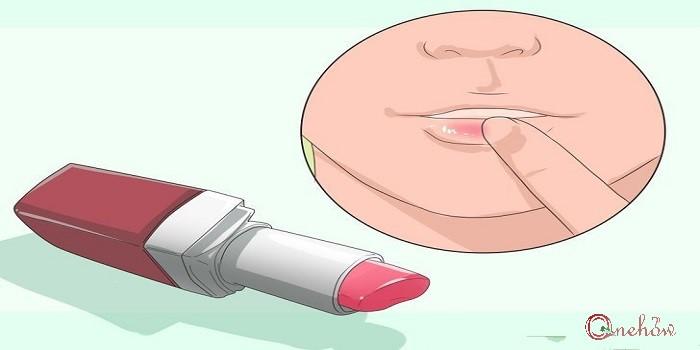 چگونه خشکی لب را برطرف کنیم
