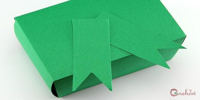 چگونه یک جعبه کاغذی هدیه بسازیم